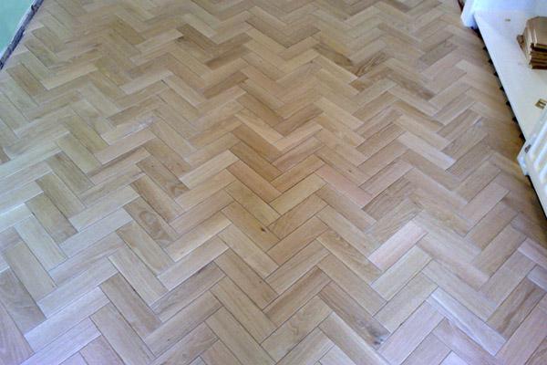 Wood Amp Laminate Flooring Mansfield Hensleigh Wooden